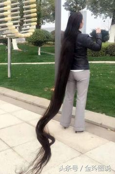 江西頭髮最長女,蓄髮 25 年的夏愛風,現長髮達到3.4 米