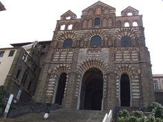Façade de Notre-Dame du Puy