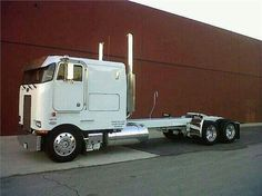 Long Pete cabover