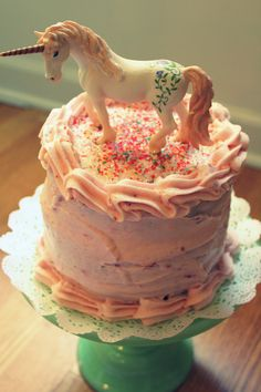 Magical Unicorn Cake, please can I have this for my birthday?