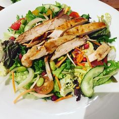 Jerk chicken  a superfood salad.  Pow.  #fitness #fitnessaddict #fitnessmotivation #fitnessmodel #fitfam #fitfamuk #fitspo #fitblr  #fitnessapparel  #instafit #follow #strongnotskinny #strongisthenewskinny #like #comment #health #healthy #healthychoices #nutrition #macros #iifym #bodybuilding #foodisfuel #inspiration #weightloss #fatloss #highprotein #eatingclean #cleaneating #student by eatingcleanzoe