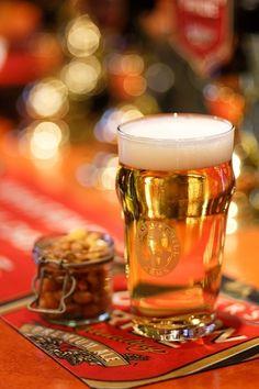 Glöm dagarna då billig bärs var ett givet gå-ut-alternativ – idag är Stockholm fullt av bra ölhak som bjuder på IPA, öl från lokala mikrobryggerier och allt som finns att önska på både fat och flaska. Är du en redan inbiten...