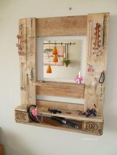 Wandregale - * Schmuckregal mit Spiegel aus Euro Paletten * - ein Designerstück von Palettano bei DaWanda