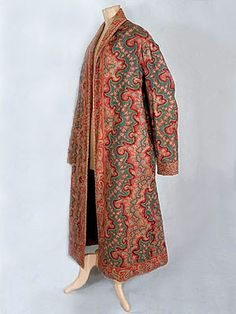 Gentleman's hand-sewn cotton print dressing gown or wrapper, featuring two complementary paisley prints. Vintage Textile dates to ca. Vintage Outfits, Vintage Dresses, Vintage Fashion, Vintage Clothing, Historical Costume, Historical Clothing, 19th Century Fashion, 18th Century, Mens Attire