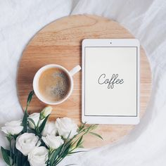 10 Reasonable Clever Tips: Coffee Signs Street coffee ideas pictures.Coffee Signs Street coffee machine home. Flat Lay Photography, Coffee Photography, Coffee Type, Coffee And Books, Coffee Shot, Coffee Coffee, Coffee Signs, Nitro Coffee, Coffee Menu