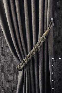Pretty homemade curtains and homemade curtains - living like the past. for camper Drapes And Blinds, Home Curtains, Curtains Living, Window Curtains, Grey Curtains, Magnetic Curtain Tie Backs, Curtain Ties, How To Make Curtains, Made To Measure Curtains