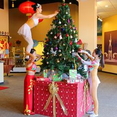 Ever wonder how Chinese acrobats decorate for Christmas? #ExploreBranson #OzarkMountainChristmas