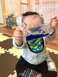 触ると動くよ!?オイリーなセンサリートイ : ベビー脳育サロンcomomo Sensory Play, Kids And Parenting, Diy And Crafts, Toys, How To Make, Blog, Handmade, Home Decor, Green
