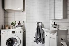 bostadervitec - 55 kvadrat Washing Machine, Laundry, Home Appliances, Elegant Party Dresses, Laundry Room, House Appliances, Appliances, Laundry Rooms