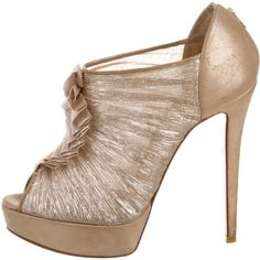 Pre-owned Christian Louboutin Metallic Ruffled Booties (£315) ❤ liked on Polyvore featuring shoes, boots, ankle booties, metallic, peep-toe ankle booties, peep-toe booties, peep toe boots, peep toe booties and christian louboutin boots