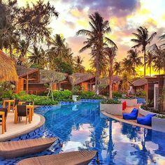 Sunset  lounging  Gili Air Lagoon Resort, Indonesia  Photo by: @giliairlagoon