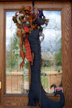Halloween Door hanger -Witch& Boot this is one of my favorite pieces I& collected for Halloween Halloween Trees, Holidays Halloween, Halloween Crafts, Happy Halloween, Halloween Decorations, Halloween Witches, Halloween Centerpieces, Fall Decorations, Halloween Masks