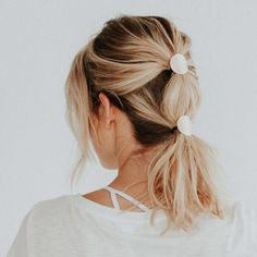 Disc Ponytail Hair Tie Cover – Bridal Hair Accesories – - All For Hairstyles DIY Edgy Haircuts, Ponytail Hairstyles, Wedding Hairstyles, Hair Ponytail, Updos, Diy Wedding Hair, Short Wedding Hair, Short Hair, Wedding Ideas