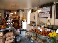 Violet cafe