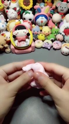 Cute Polymer Clay, Cute Clay, Polymer Clay Projects, Diy Clay, Clay Crafts For Kids, Diy Home Crafts, Diy For Kids, Fondant Flower Tutorial, Fondant Animals