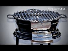 How to make a bbq with a Car Rim. Bbq Grill Diy, Rim Fire Pit, Fire Pit Cooking, Diy Outdoor Kitchen, Rims For Cars, Fire Pit Designs, Rocket Stoves, Grill Design, Welding Projects