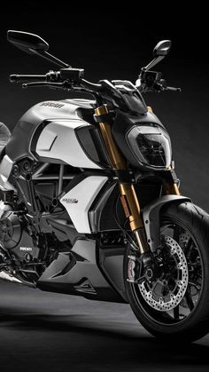 Ducati Diavel 1260 S Ultra HD Mobile Wallpaper Ducati Diavel, Triumph Motorcycles, Cars And Motorcycles, Moto Bike, Motorcycle Bike, Scrambler, Porsche, Audi, Ducati Custom