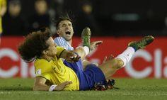 Foi em 2010, através de Mano Menezes, que o zagueiro David Luiz foi convocado para a seleção brasileira pela primeira vez.