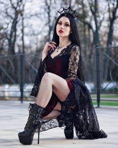 Hot Goth Girls, Gothic Girls, Fashion Models, Girl Fashion, Gothic Lingerie, Goth Glam, Goth Subculture, Cyberpunk Girl, Goth Model