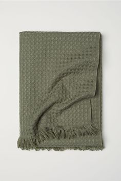 Waffled blanket - Dusky green - Home All | H&M 1