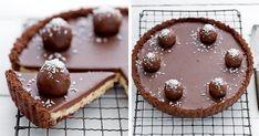 Vrstvu krehkého korpusu pokrýva famózna kokosová náplň a tú čokoládová poleva. Nepečená bounty torta. Recept, ktorý si zamilujete po prvom súste!