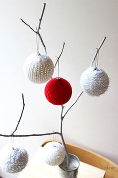 boules de Noël au tricotin
