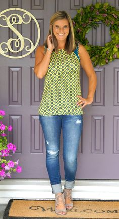 Stitch Fix Loveappella Kapra Contrast Shoulder Knit Top - great summer colors and cute paired with distressed jeans!