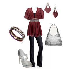 Burgundy and silver one of my favorite combos....love the flowiness of the top