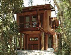 Graças a um projeto compacto e sem firulas, o arquiteto André Guidotti ergueu esta casa de praia econômica para um casal amigo em apenas seis meses. Espaços integrados e padronização de acabamentos ajudou no baixo custo.