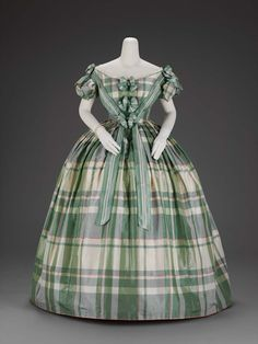 Woman's evening dress, about 1859–60, silk & linen, 50.475, MFA Boston