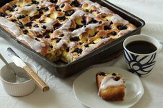 Bollefocaccia med vaniljekrem og blåbær