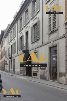 Shop for rent in the centre of Milan Rent
