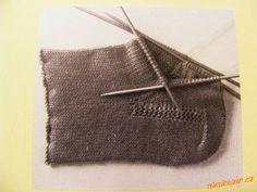 TECHNIKA PLETENÍ PONOŽEK SE SADOU 5 JEHLIC   Mimibazar.cz Knit Crochet, Knitting, Tricot, Breien, Crochet, Knitting And Crocheting, Cable Knitting, Stitches, Weaving