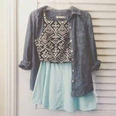 Yay or Nay???? Credit @vanessaaameow  #dresses__up