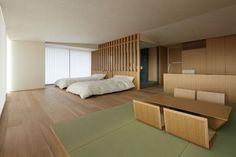 こちらは京都国際ホテル(現在は閉館)の客室モデルルーム。置き畳を利用すれば、部屋を仕切らずともリビングとベッドルームのメリハリをつけることができますね。