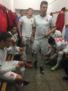 Kabinenfoto kurz vor Spielbeginn gegen den FSV Zwickau (vorne #Christian #Skoda)