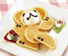 Bear pancakes. i put this into my ready for grandkids board,  but i may not wait for them !  lol