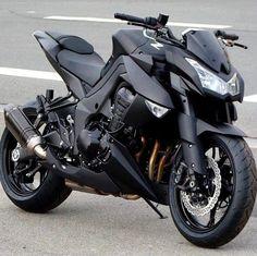 Kawasaki Z 1000 with modified exhaust system Moto Suzuki, Suzuki Motorcycle, Motorcycle Tips, Motorcycle Quotes, Ninja Motorcycle, Super Bikes, Motos Kawasaki, Kawasaki Ninja, Kawasaki Motorcycles