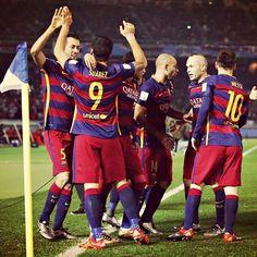 FC Barcelona el PRIMER CLUB EN LA HISTORIA que conquista 3 Mundiales de Clubes (2009 2011 y 2015). GIGANTE.
