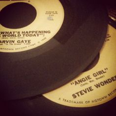 Miss my 45's, Love, love Marvin Gaye & a LIL Stevie!!