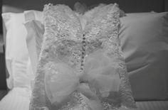 Made with love!  Wedding Dress Atelier Carla Gaspar. Foto por Simone Lobo fotografia.