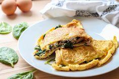 Omlet z tuńczykiem i szpinakiem - śniadanie dla dwojga Omelet, Dessert Recipes, Desserts, Ricotta, Apple Pie, Sweet Tooth, Sweets, Dishes, Chicken
