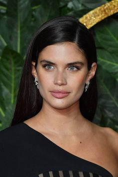 Brown Hair Colours: Chocolate, Bronze, Ash Brown and Best Box Hair Dye, Glamour Uk, Glamour Hair, Brown Hair Colors, Hair Colours, Sara Sampaio, Ash Brown, African American Hairstyles, Victoria Secret Fashion Show