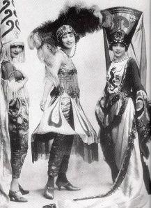 Chorus girls from the original cast of Shuffle Along