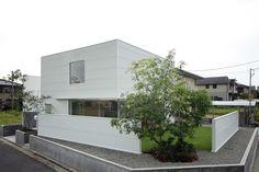 House in Sakuragaoka / Yoritaka Hayashi Architects