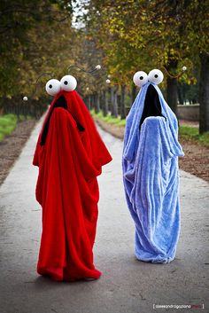 I loved these guys! Homemade Halloween Costumes, Halloween Outfits, Costume Halloween, Holidays Halloween, Cool Costumes, Halloween Crafts, Halloween Party, Costume Ideas, Diy Kids Costumes