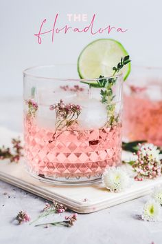A classic gin cocktail that packs a fruity punch of raspberry and with a sharp twist of lime, topped up with ginger ale. Pink Gin Cocktails, Classic Gin Cocktails, Ginger Cocktails, Gin Cocktail Recipes, Summer Cocktails, Ginger Ale Cocktail, Cocktail Rose, Cocktail Names, Ginger Ale Punch