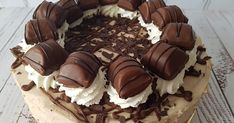 Kinder Bueno sajttorta Paella, Ale, Recipies, Food And Drink, Pudding, Yummy Food, Sweets, Candy, Chocolate
