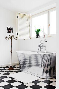 http://designist.ro/wp-content/uploads/2013/04/Casa-La-Maison-Designist-17.jpg