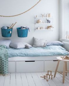 Styling a Big Kid Bedroom. How to decorate a big kids bedroom. Casa Kids, Ideas Habitaciones, Deco Kids, Kids Room Design, Bed Design, Kid Spaces, My New Room, Kids Decor, Decor Ideas